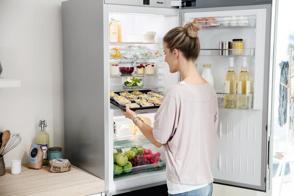 Amica Kühlschrank Expert : Energiesparende kühlschränke als einbaukühlschrank von expert