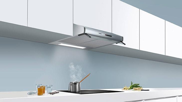 Siemens Dunstabzugshaube eingebaut in einer Küche
