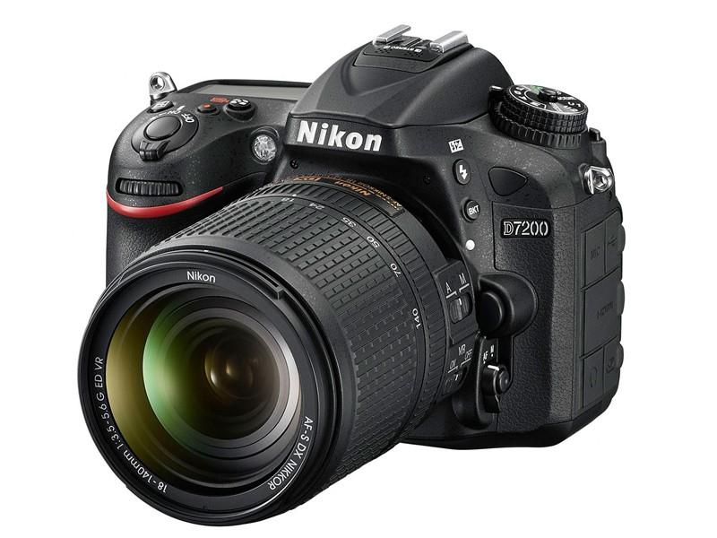 Nikon D7200 Spiegelreflexkamera 8cm/3,2'' 24,2MP + AF-S DX 18-140mm VR für 1.199,00 Euro